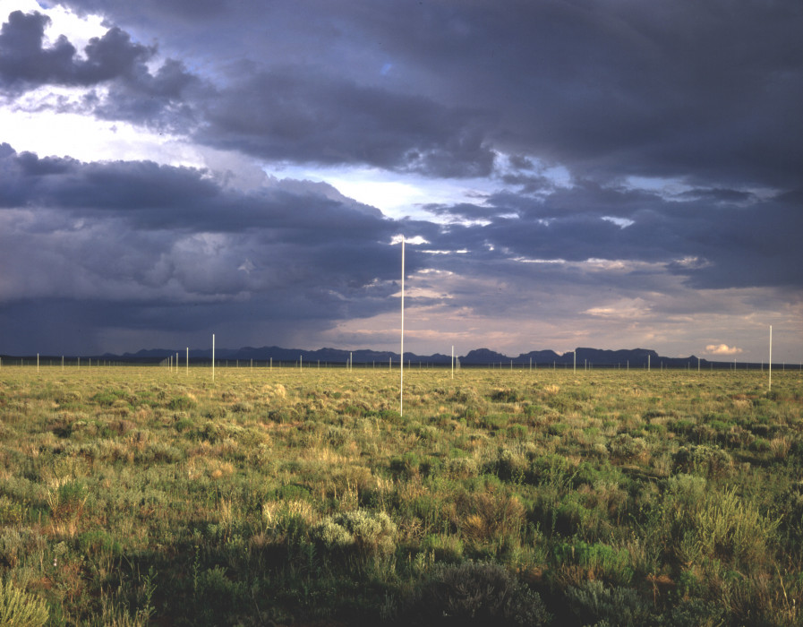 DeMaria_The Lightning Field_5_1977_Photo John Cliett